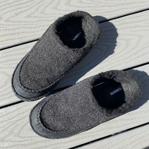Sorel slip on shoes